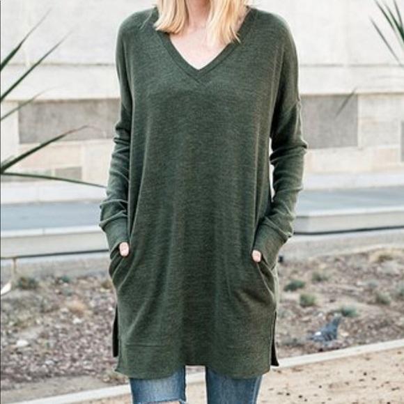 Jardin Sweaters - JARDIN Forest Green V-Neck Tunic